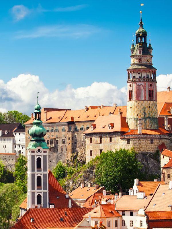 Pohled na město Český Krumlov a zámeckou věž