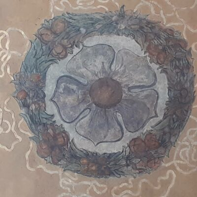 Pětilistá růže na hstorické fresce